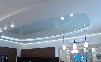 Комбинированные натяжные потолки, варианты декора