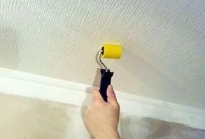 Оклейка потолка обоями своими руками, фото