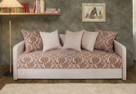 Тахта или диван
