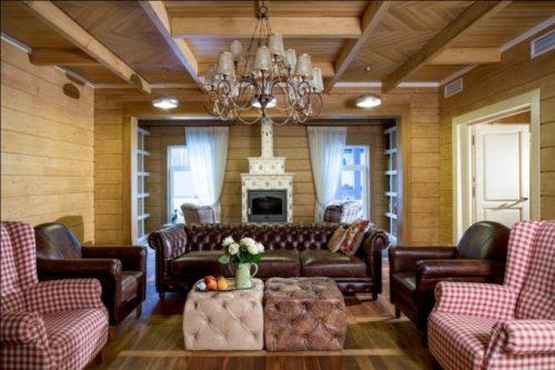 Декоративная расшивка деревянными брусками и штучным паркетом