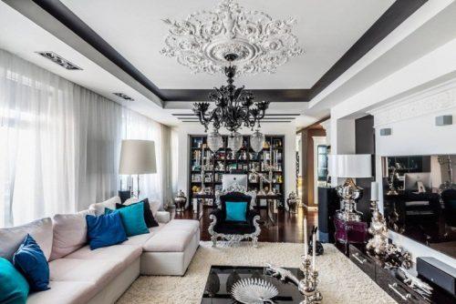 В потолок встроены не только светильники, но и сплит-система