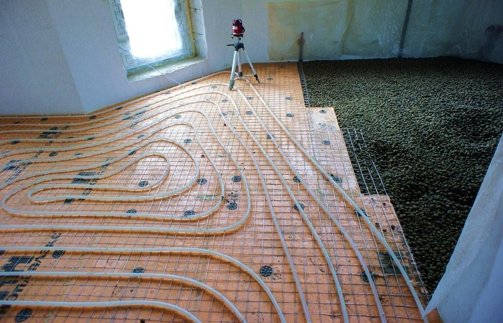 Монтаж греющих труб на подложке поверх сухой стяжки