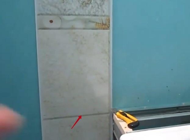 Расположение панели возле ванны