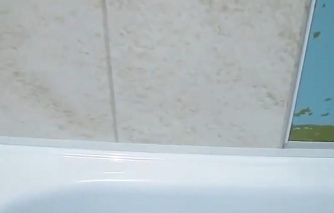 Установка панелей над ванной