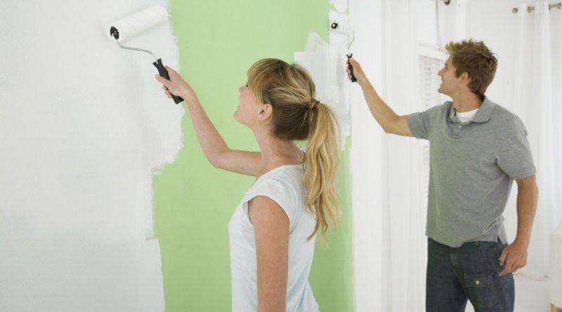 Покраска стен в помещении