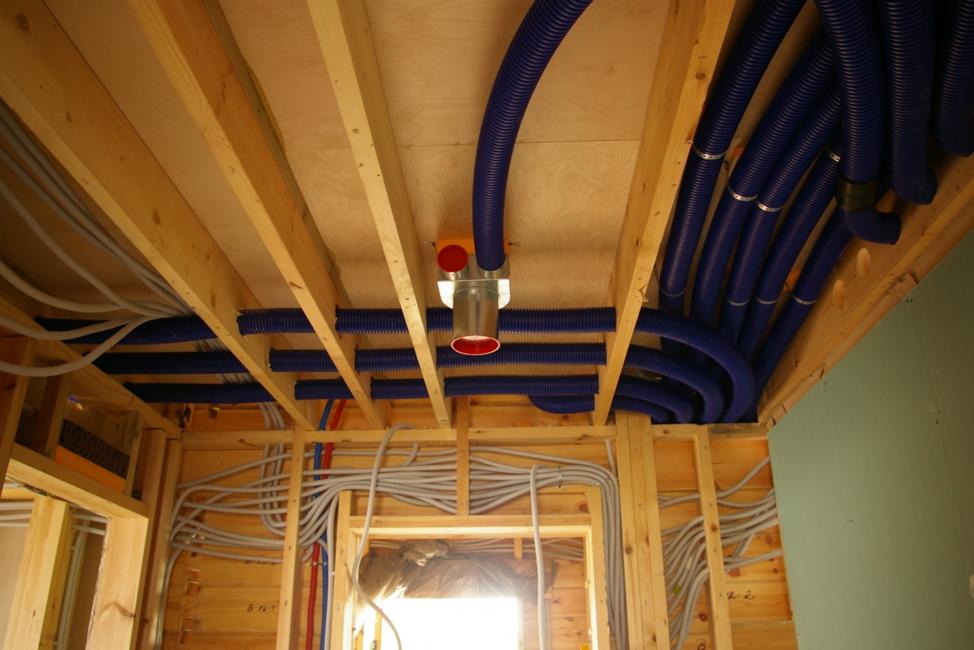 Система вентиляции в доме – разводка внутри перекрытия