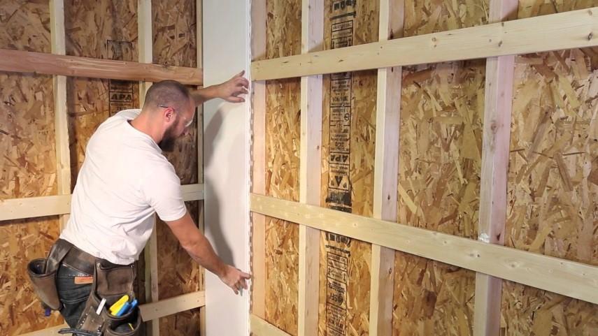 Как крепить панели ПВХ к стене